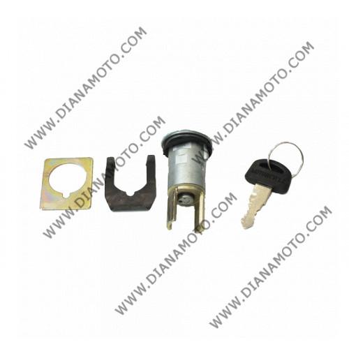 Ключалкa за седалка Honda Tact 09 50 к. 897